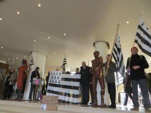manif bretons depute mairie